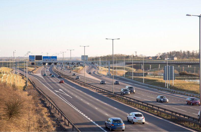1_0x0_790x520_0x520_long_roads_in_the_uk.jpg