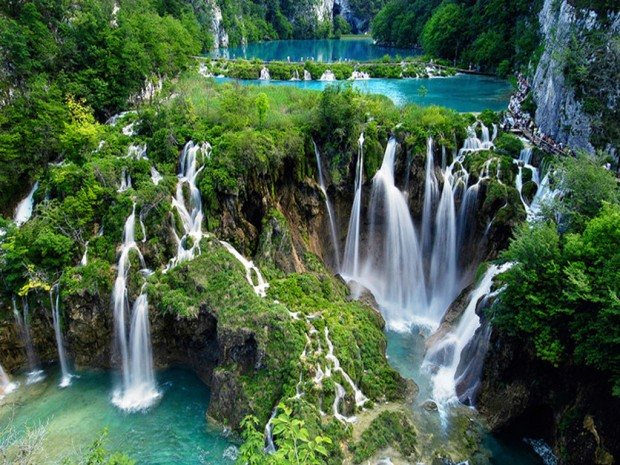 Plitvice-Lakes-Croatia1-620x465.jpg