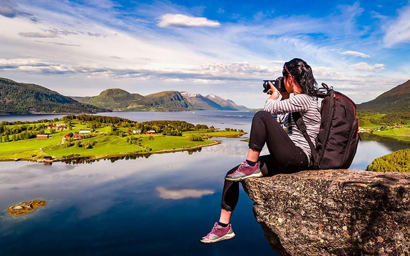 travel-photographer-careers.jpg
