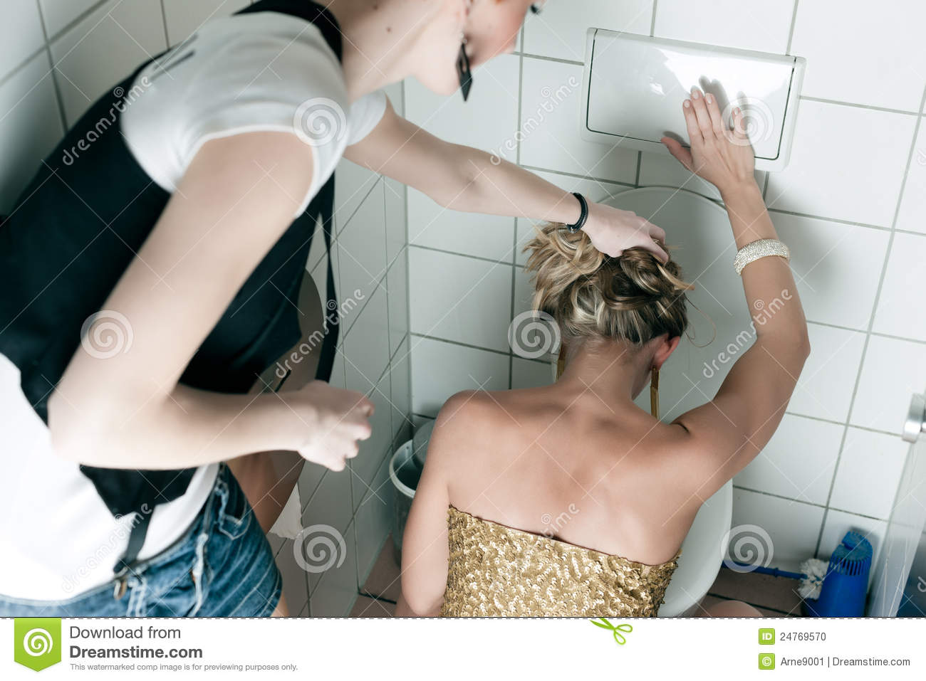 woman-throwing-up-toilet-24769570.jpg